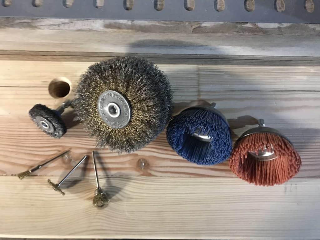 altholz aufbereiten - einfache Werkzeuge zur Altholzaufbereitung