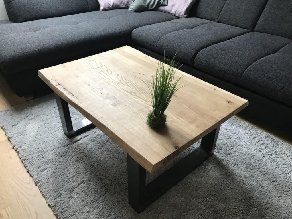 Moderner Massivholz Couchtisch zum selber bauen.