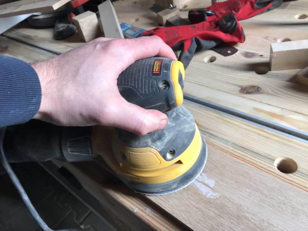 Zeitschriftenhalter aus Holz selber bauen